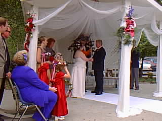 Image of the ceremony exchanging Rings.